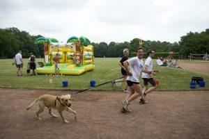 Muko-Spendenlauf Hannover 2010 - Läufer und Hund